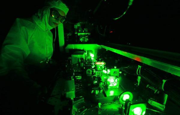 Ученые Дальневосточного федерального университета (ДВФУ) вместе с российскими и японскими коллегами синтезировали первый двумерный (квантовый) металл