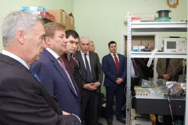 Институт автоматики и электрометрии СО РАН представил ПАО «ОАК» разработки для авиационной промышленности
