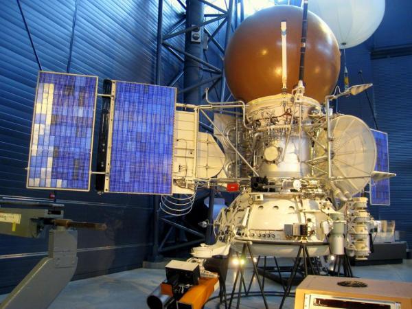 Когдаэкспедиции на Венеру перестанут быть уделом роботов-самоубийц