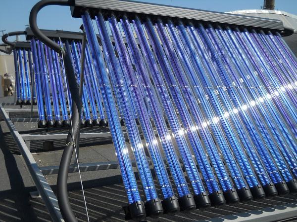 Солнечные коллекторы и тепловые насосы всё еще остаются недоступными инновациями для российских домовладельцев