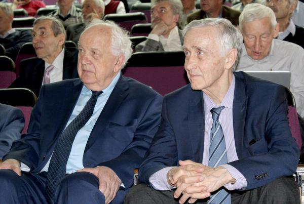 На юбилейной конференции «Вклад Г.И. Будкера и его института в мировую науку» физики обсудили историю и перспективы установок ИЯФ СО РАН