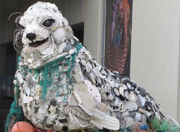 Почему нас заваливает пластиком и что с этим делать