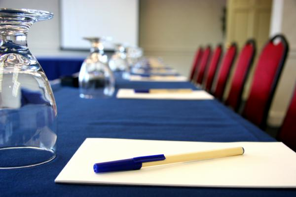 Приказ Минобрнауки о встречах с иностранными коллегами: мнения ученых