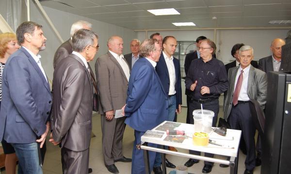 Институт автоматики и электрометрии СО РАН посетила делегация Министерства промышленности и торговли Российской Федерации