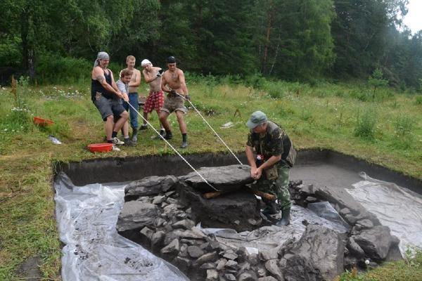 Интервью с начальником Центрально-Алтайского археологического отряда ИАЭТ СО РАН Андреем Бородовским