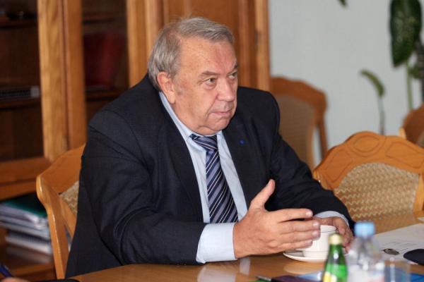 Владимир Фортов рискнул выдвинуться на второй срок