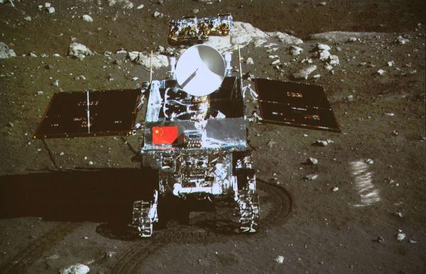 Откуда берутся сомнения в американской лунной миссии?