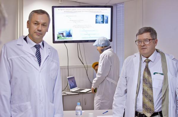Руководство области и СО РАН посетили ФИЦ ИЦиГ СО РАН