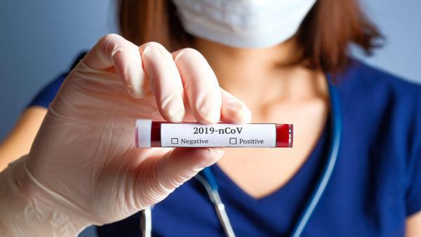 Благодаря чему большинство заболевших COVID-19 выздоравливают, мнение вирусолога