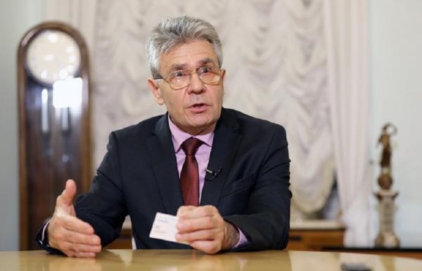 Академик Сергеев поделился своим мнением о том, как государство и РАН должны управлять научной политикой