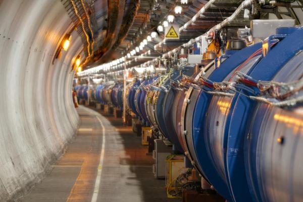 Новосибирские физики приняли участие в обнаружении новой элементарной частицы