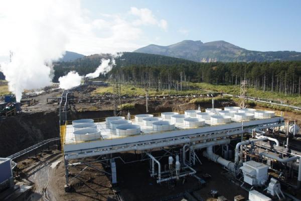 """Компания """"Модульные Системы Торнадо"""" завершила основной объем работ на Менделеевской ГеоТЭС, работающей у подножия вулкана на Кунашире"""