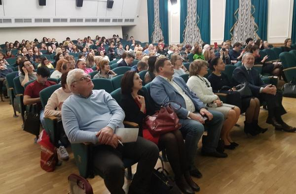 В Новосибирске обсудили актуальные проблемы лечения внутренних болезней