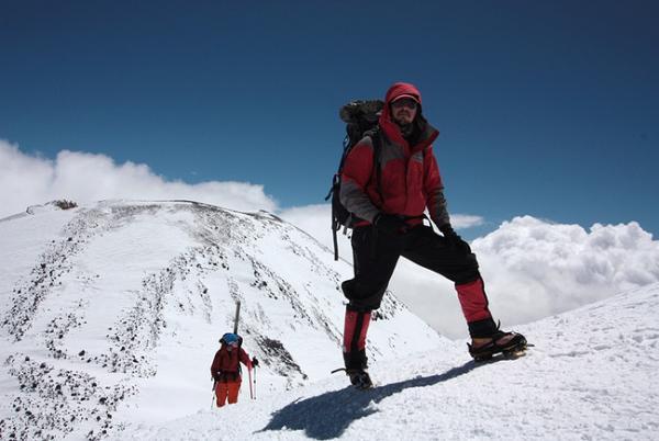 Подъем на Западную вершину Эльбруса. Фото: Иван Лаврентьев