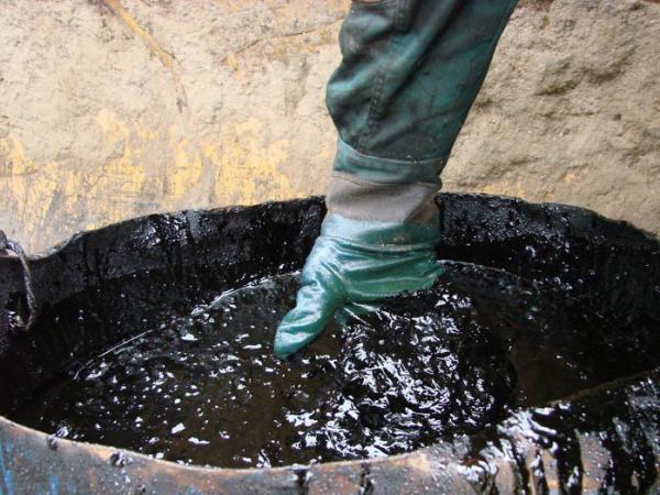Новосибирские ученые исследуют новый способ экологичной утилизации отходов нефтедобычи