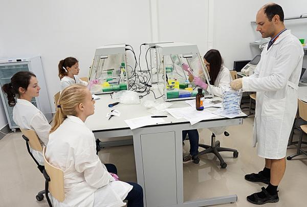 Молодые ученые Академгородка выступили руководителями научных проектов для одаренных детей в Сочи