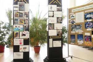 Дополнительный стимул ребятам придают итоговые выставки их работ в научных институтах Академгородка, куда они перед этим приходили на лекции