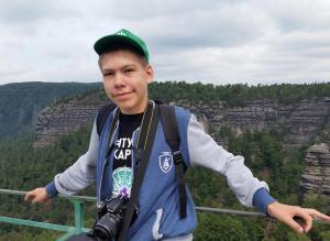 Ученик 9 математического класса лицея №130 Александр Вронский во время стажировки осваивал язык C# и учился разрабатывать приложения