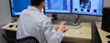 Для чего Институт катализа приобрел сверхмощный микроскоп