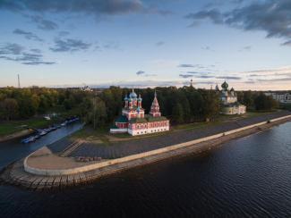 Набережная Кремля Углича. Фото Владимир Медведев