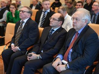 В Институте автоматики и электрометрии СО РАН прошло совещание по вопросам внедрения разработок института