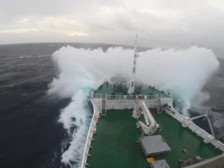 Участники международной научной экспедиции зафиксировали в Восточно-Сибирском море рекордный выброс метана