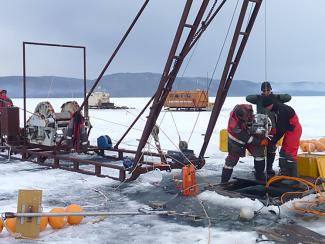 Для чего запускаютгигантский нейтринный телескопна озере Байкал