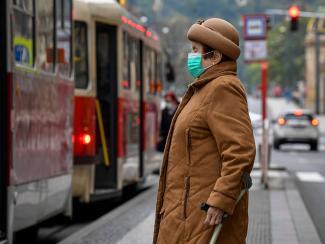 Ученые пытаются прогнозировать сезонную «встречу» COVID-19 с вирусом гриппа