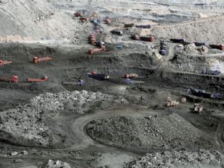 Китай пока не спешит отказываться от «грязного» топлива, на что есть объективные причины
