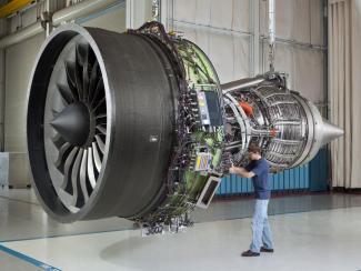 Томские ученые улучшают свойства материалов для авиапромышленности