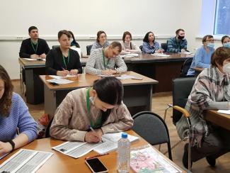В ИЦиГ заработала школа по биотехнологиям
