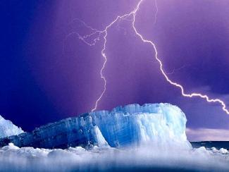 Ученые фиксируют резкое увеличение частоты молний в арктическом регионе за последнее десятилетие